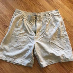 Breakwater men's cargo shorts